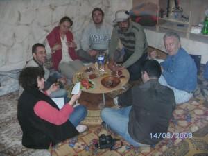 Pasto serale tipico servito all'interno dell'Abitazione Trogloditica tipica del Jebel Nafusa