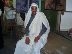 La tipica sopravveste maschile libica